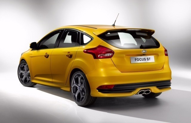 yellow ford focus st exterior